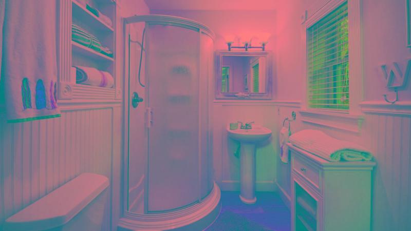 Full-Size Bathroom