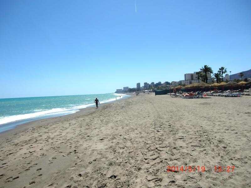BROAD AND LONG GOLD SANDY BEACHES,WC, SHOWERS, BARS, RESTAURANTS,