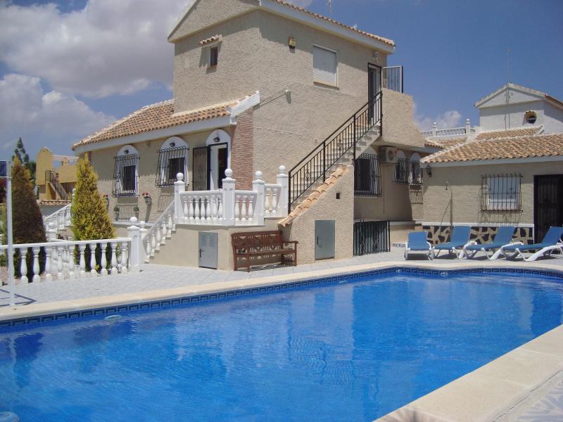Villa Montaña, Pool & Annexe