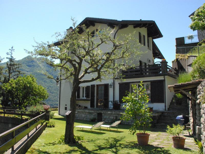 Il Pulcino di Maria, Moltrasio, Lago di Como, CIR 013152-BEB-00003, casa vacanza a Carate Urio