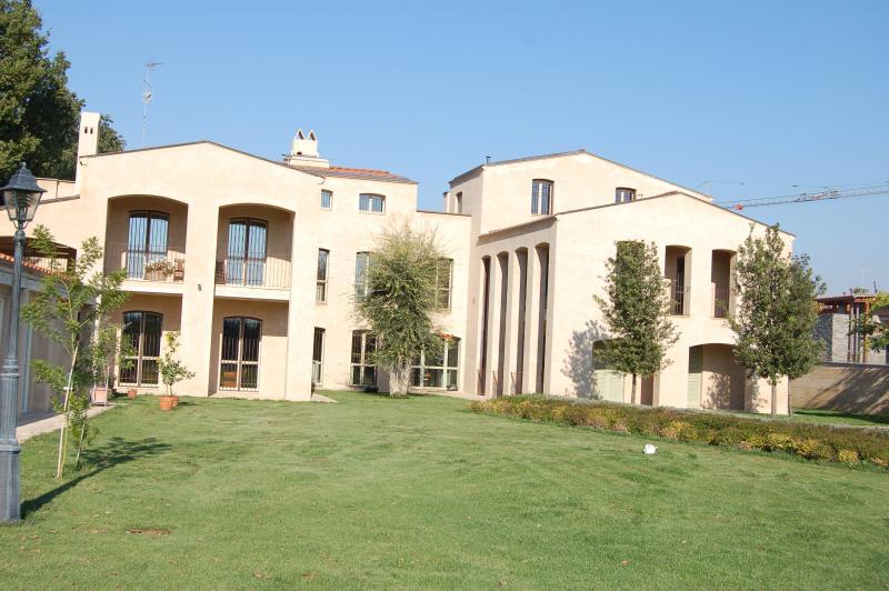 Frente de la mansión