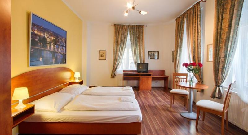 Apartment in the City Centre of Prague, holiday rental in Roztoky