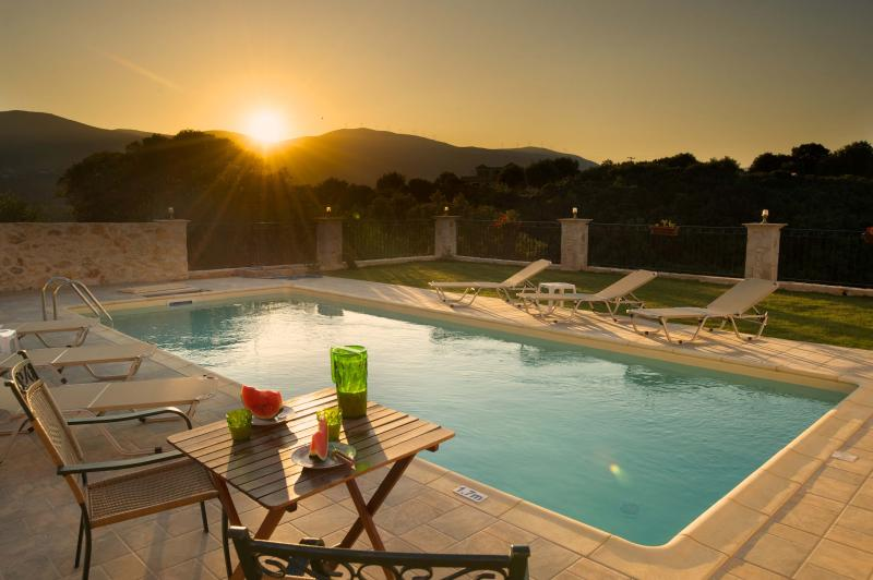 ENJOY THE  FANTASTIC SUNSET AT OUR PRIVATE POOL AND GARDEN WITH GRASS