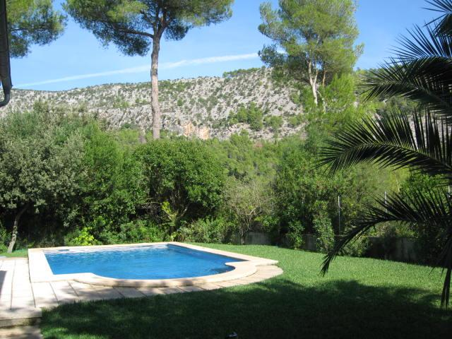 The view from the garden and swimming pool
