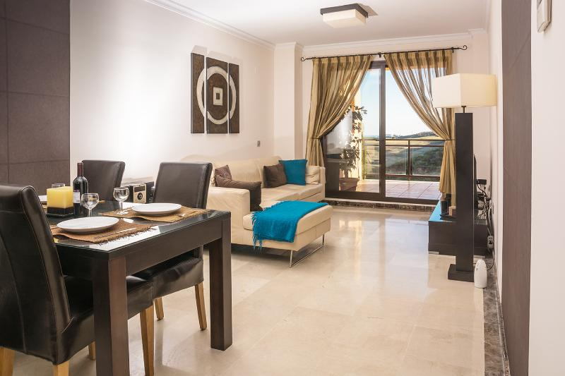 Salon de luxe et la salle à manger