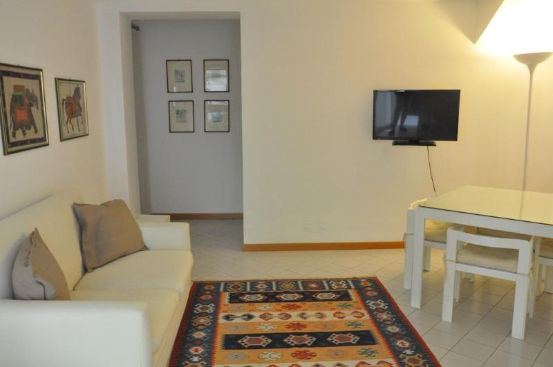 salotto appartamento 4
