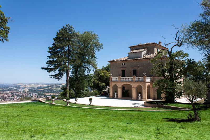 Villa Nena and surrounding garden