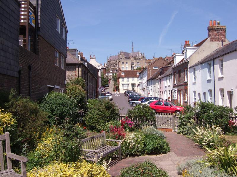 Arun Street, Arundel