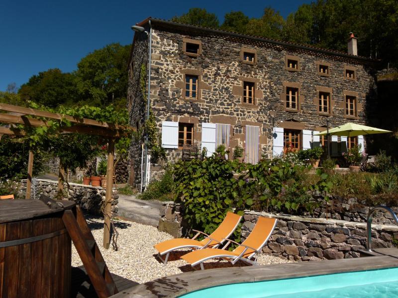 Bienvenu chez Art et Création chambre d'hôte, holiday rental in Saugues