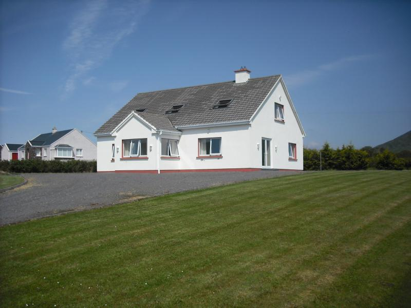 Lakeview Lodge overlooking Lough Currane   and Atlantic sea