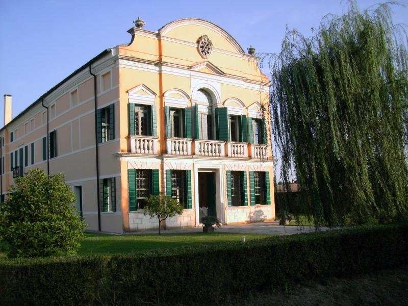 Villa Da Ponte B&B, holiday rental in Piazzola sul Brenta