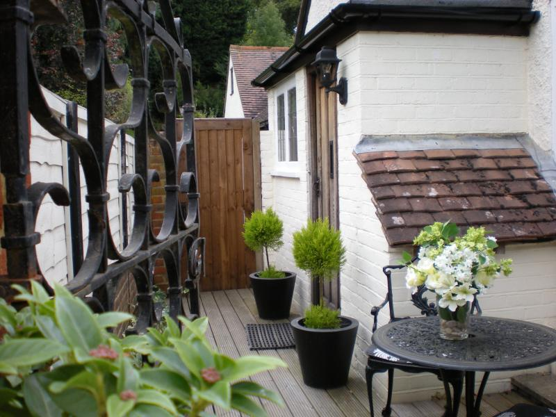 Cozy Rural Hideaway in Surrey Hills near Guildford, Ferienwohnung in Guildford