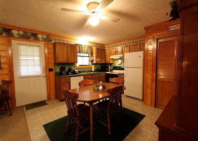 Woodhaven #1741- Kitchen Table