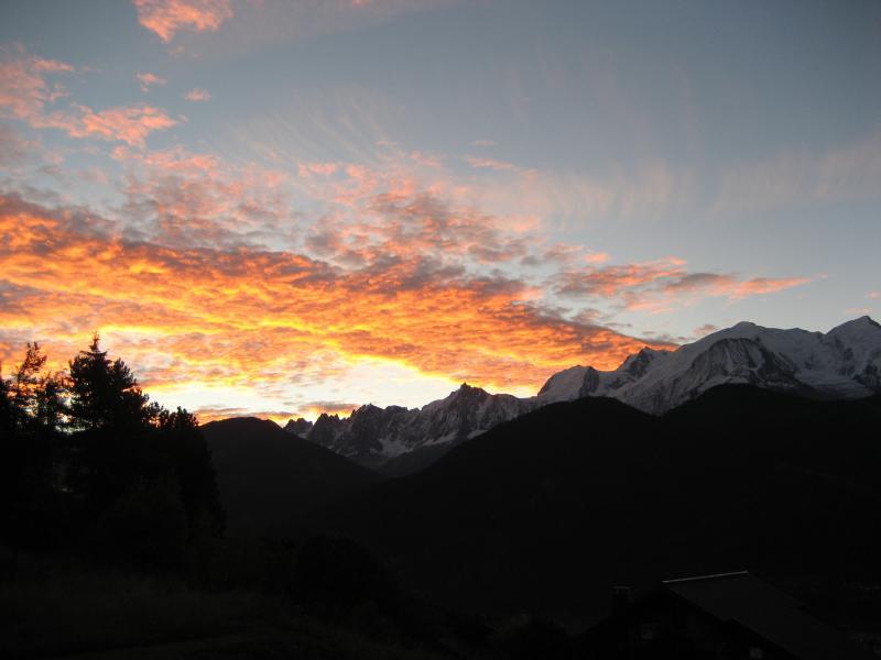 Sunrise in inverno dal balcone
