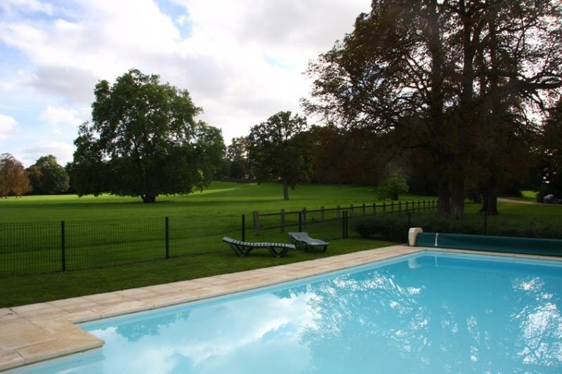 PREUIL COTTAGE, casa vacanza a Berry
