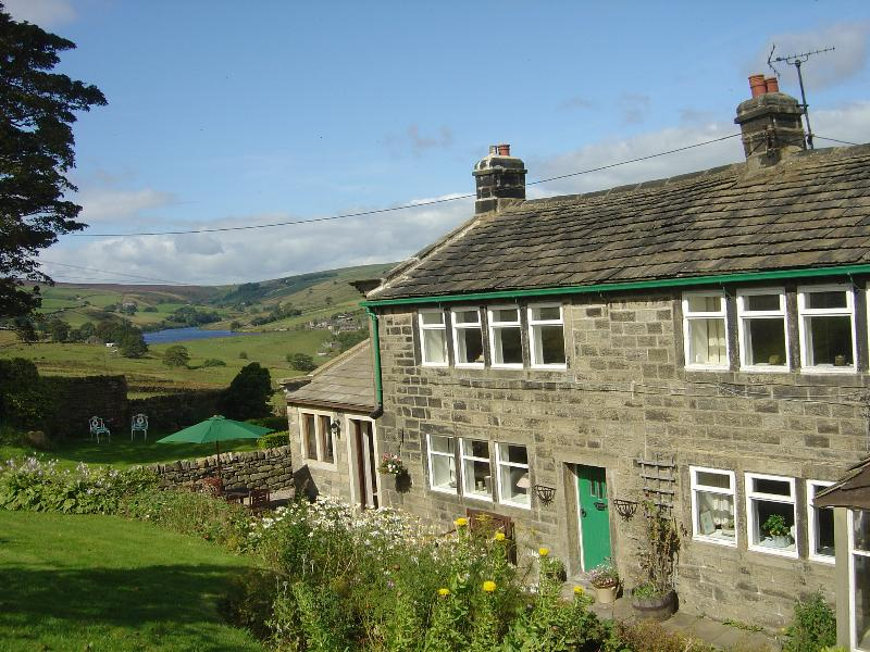 Royds Hall Farm Cottage, location de vacances à Oldfield