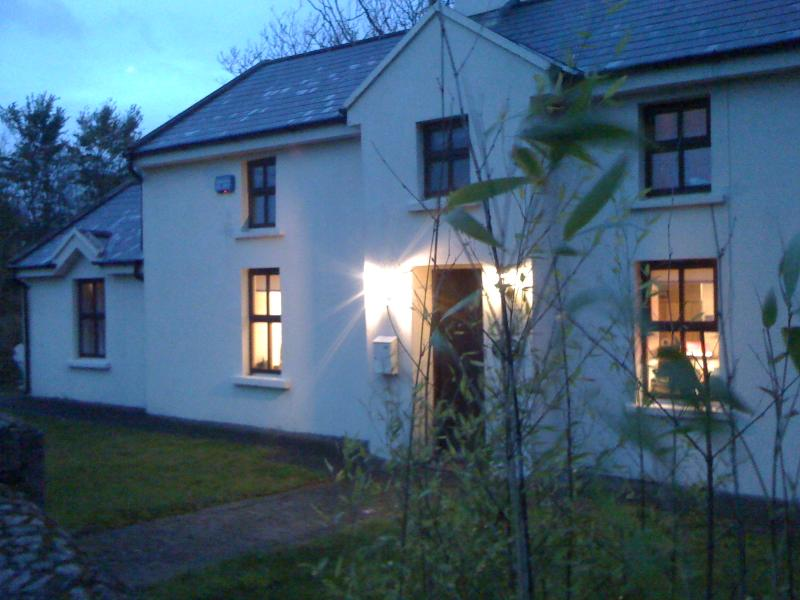 cosy detached cottage 3 acres, your perfect escape! days on the beach, summer evenings in the garden