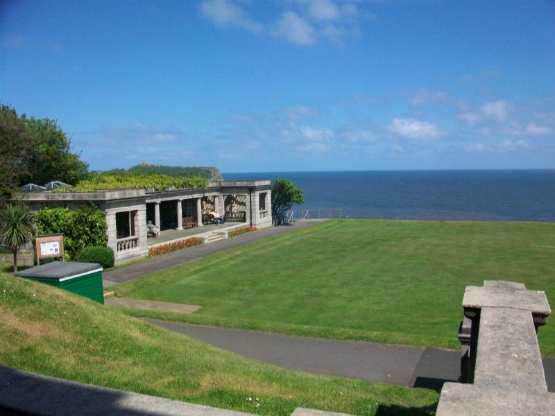 South cliff bowling green pavillion 4mins