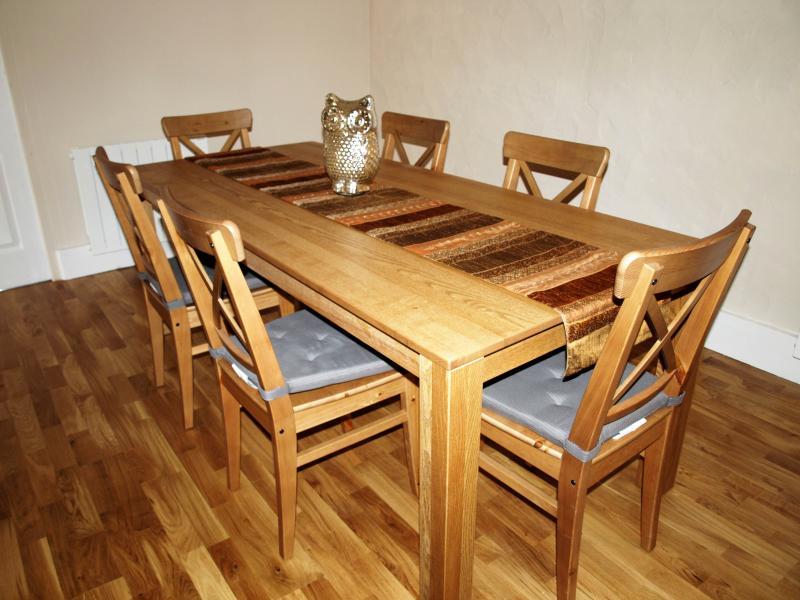 Gran mesa de comedor para seis personas