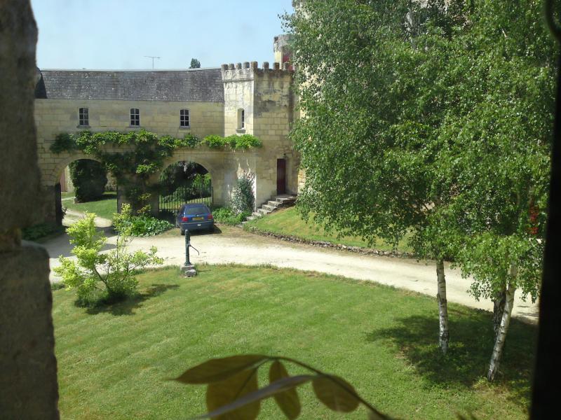 Fuera el patio de un castillo del siglo XV