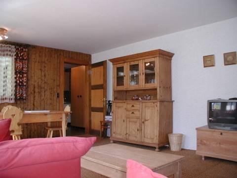Living room with double divan rez