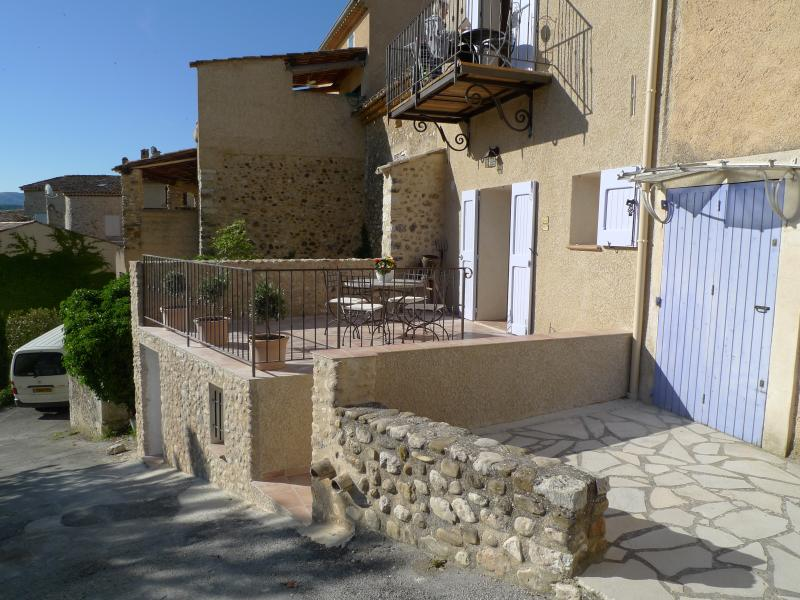 Lou Marcelou - Apartment Two, vacation rental in Riez