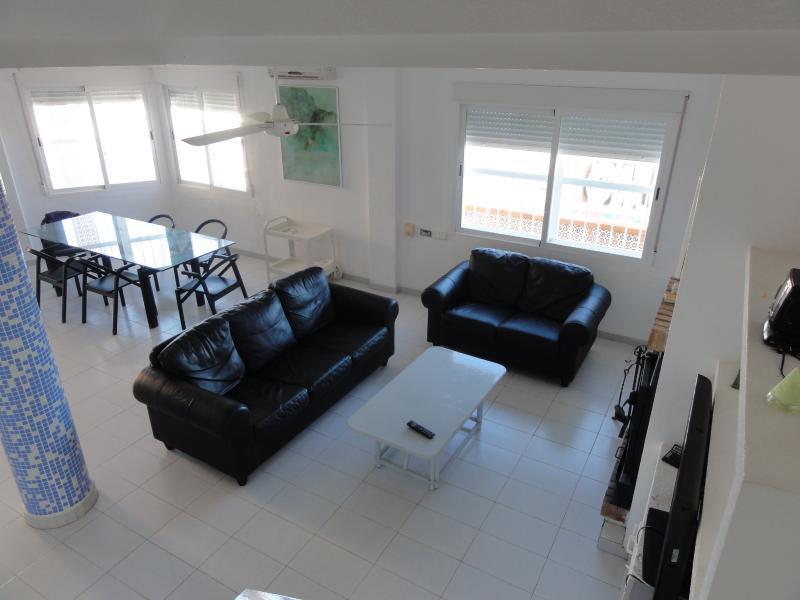 Casa 1ª línea de playa 235m, vacation rental in La Manga del Mar Menor