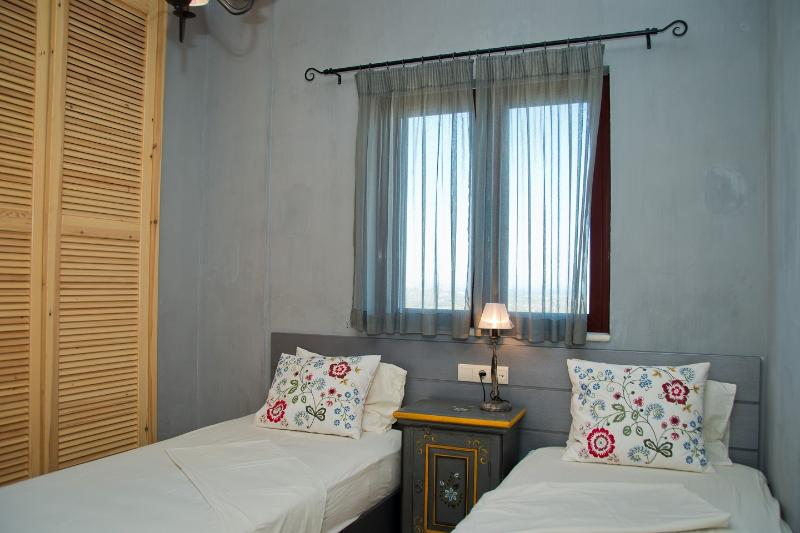 Villa Rosa 1st bedroom