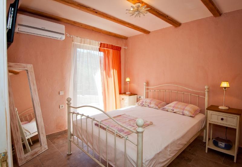 Villa Rosa 3rd bedroom