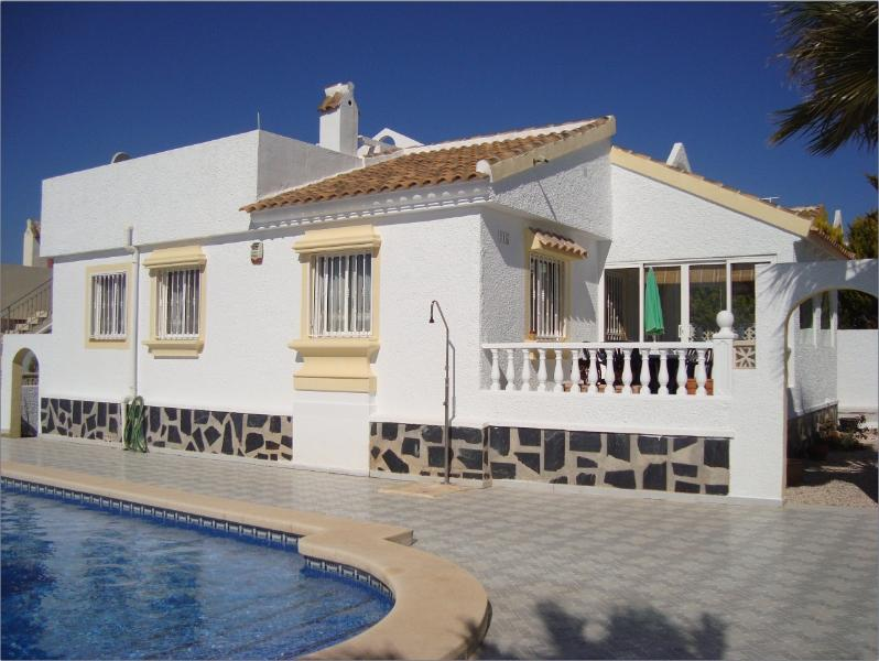 Villa Rosa, set on large corner plot with private pool