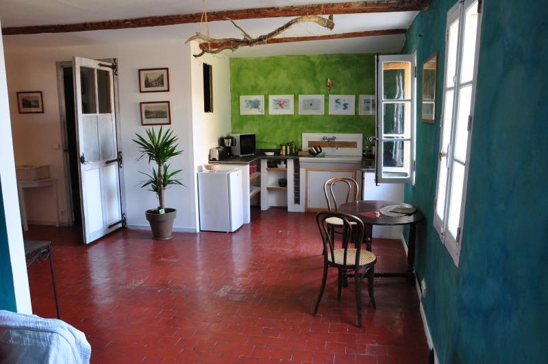 Main room / Kitchen