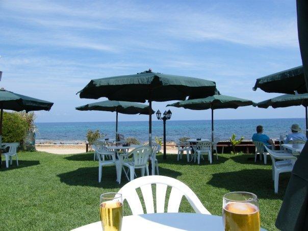 Beach Cafe..2 minutes walk