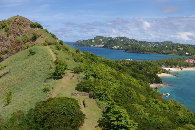 Uitzicht vanaf Pigeon Island over om Cap Estate