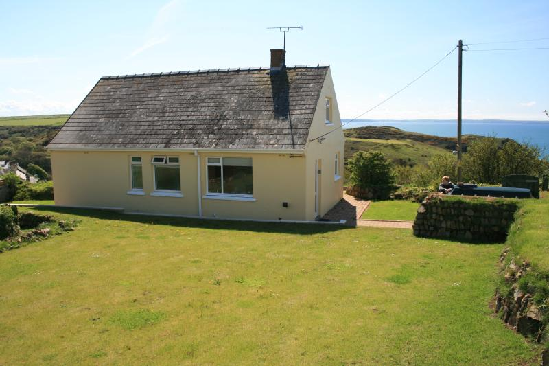 SOUTHWINDS, holiday rental in Newgale