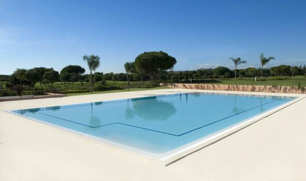 25m Pool Next To The Millennium Golf Course