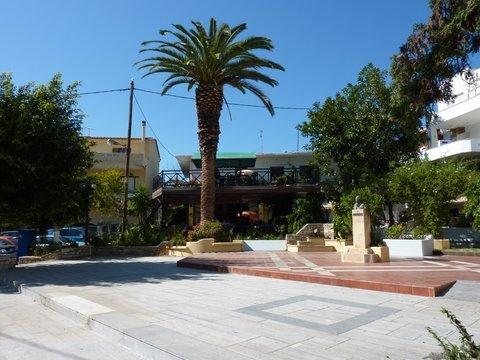 Fodele village square is 100 metres from Daisy