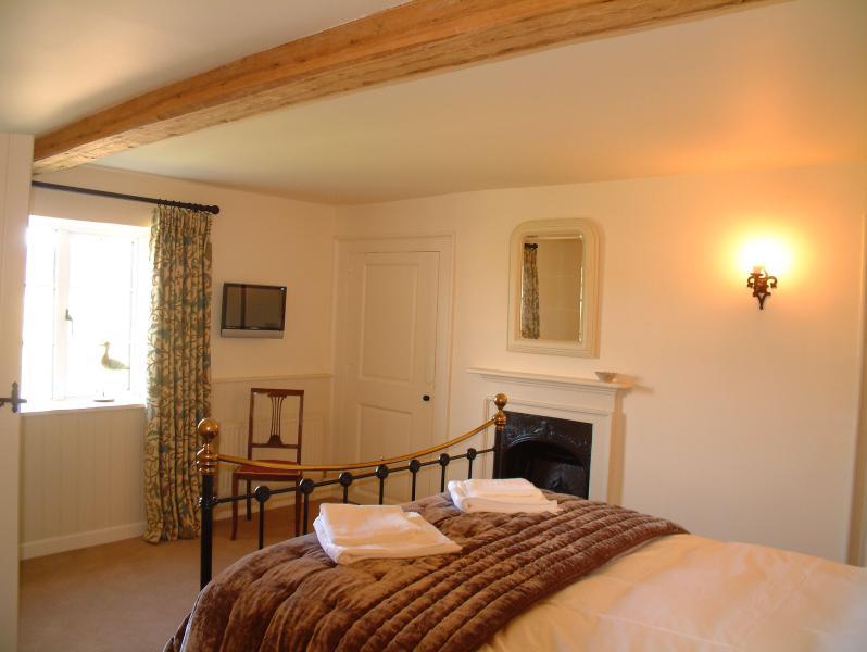Rose Cottage - master bedroom