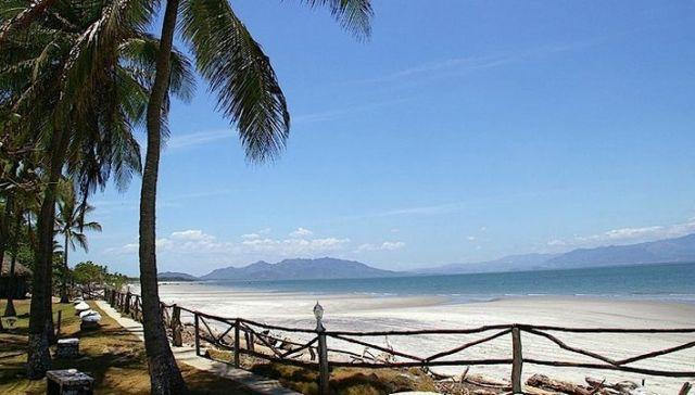 PLAYA PUNTA CHAME, PANAMA   [ New Listing. Newly Renovated Beach Apt.]., holiday rental in Panama Province