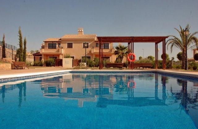 Villa de 3 dormitorios con piscina comunitaria, casa vacanza a Cuevas de Reyllo