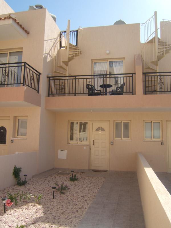 Ilyessa Townhouse and front garden