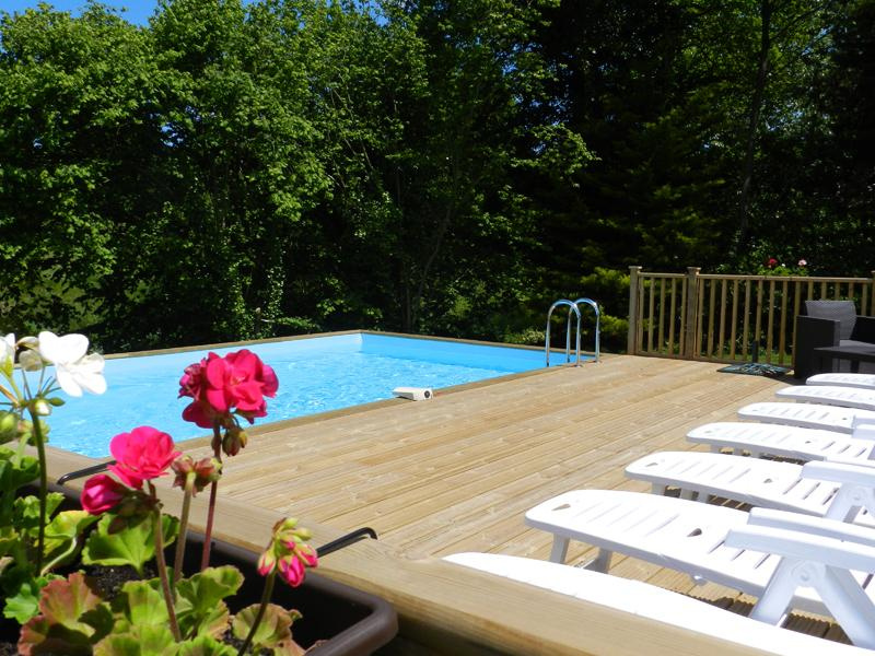 Shared Heated Swimming Pool (May-Sep)