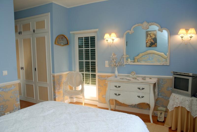 Master bedroom towards terrace