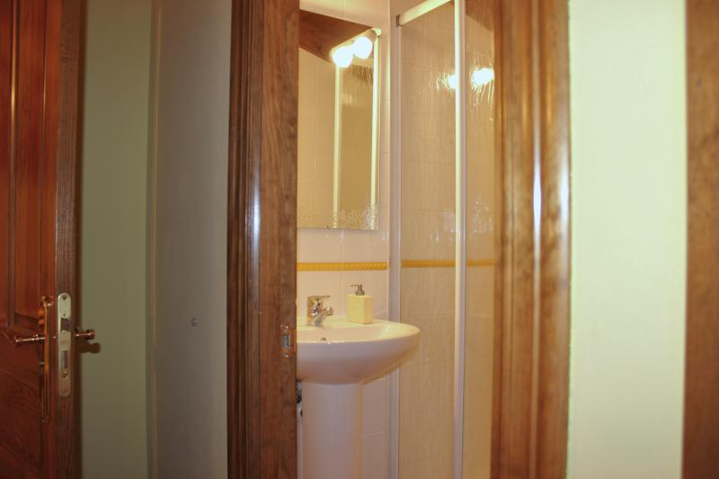 Uno de los baños de Casa La Indiana I