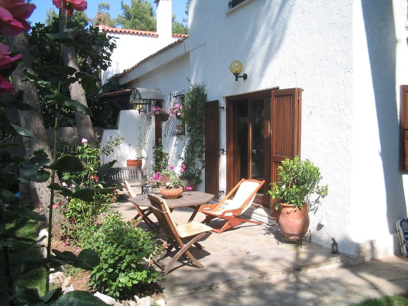 Charming independent house, vacation rental in Penteli