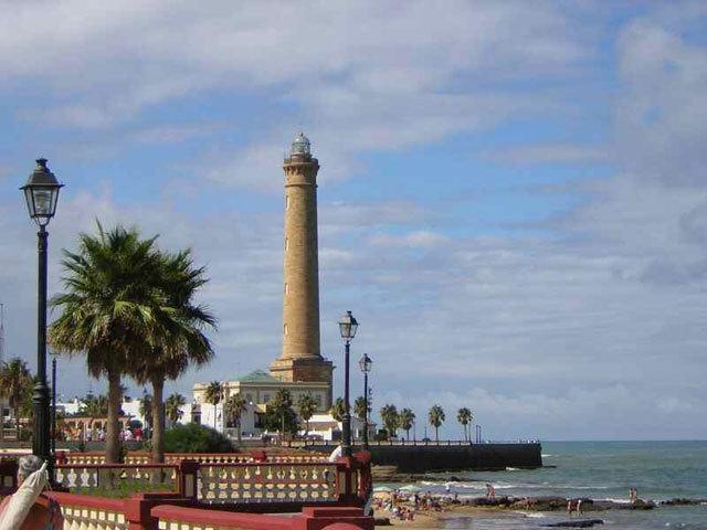 ADOSADO CENTRO CHIPIONA!!, alquiler de vacaciones en Chipiona