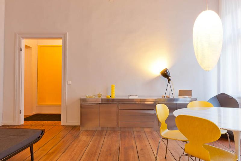 Prime Location for Berlin Vacation Apartment, vacation rental in Berlin