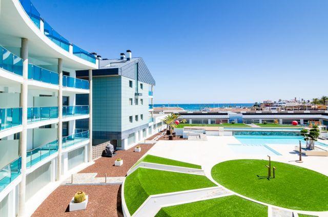 Salacia A - Apartamento de lujo en primera linea, holiday rental in Javea