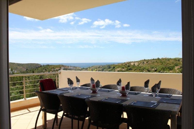 Outside Seating for 10 with Sea Views over National Park