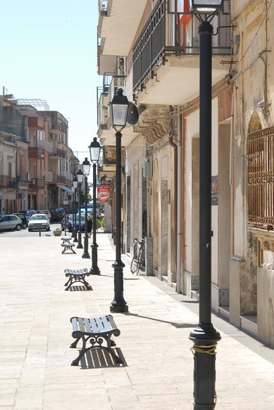 Canicattini - Main Square/La piazza principale