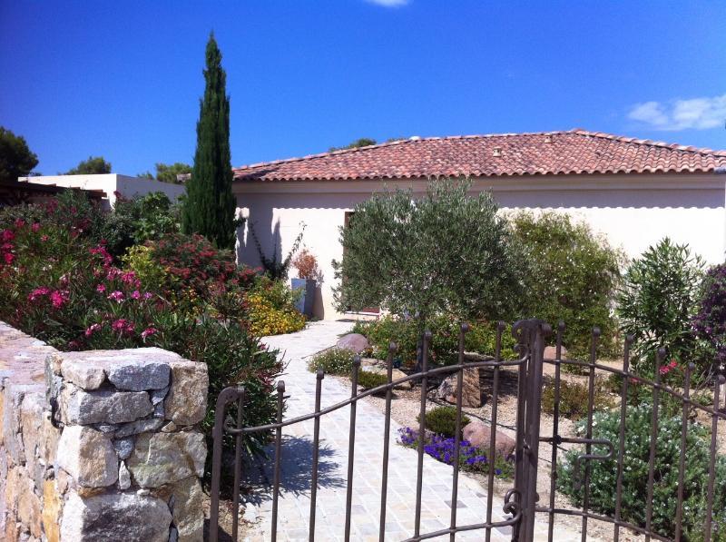Belle villa à proximité de la mer à Sant Ambroggio, casa vacanza a Lumio